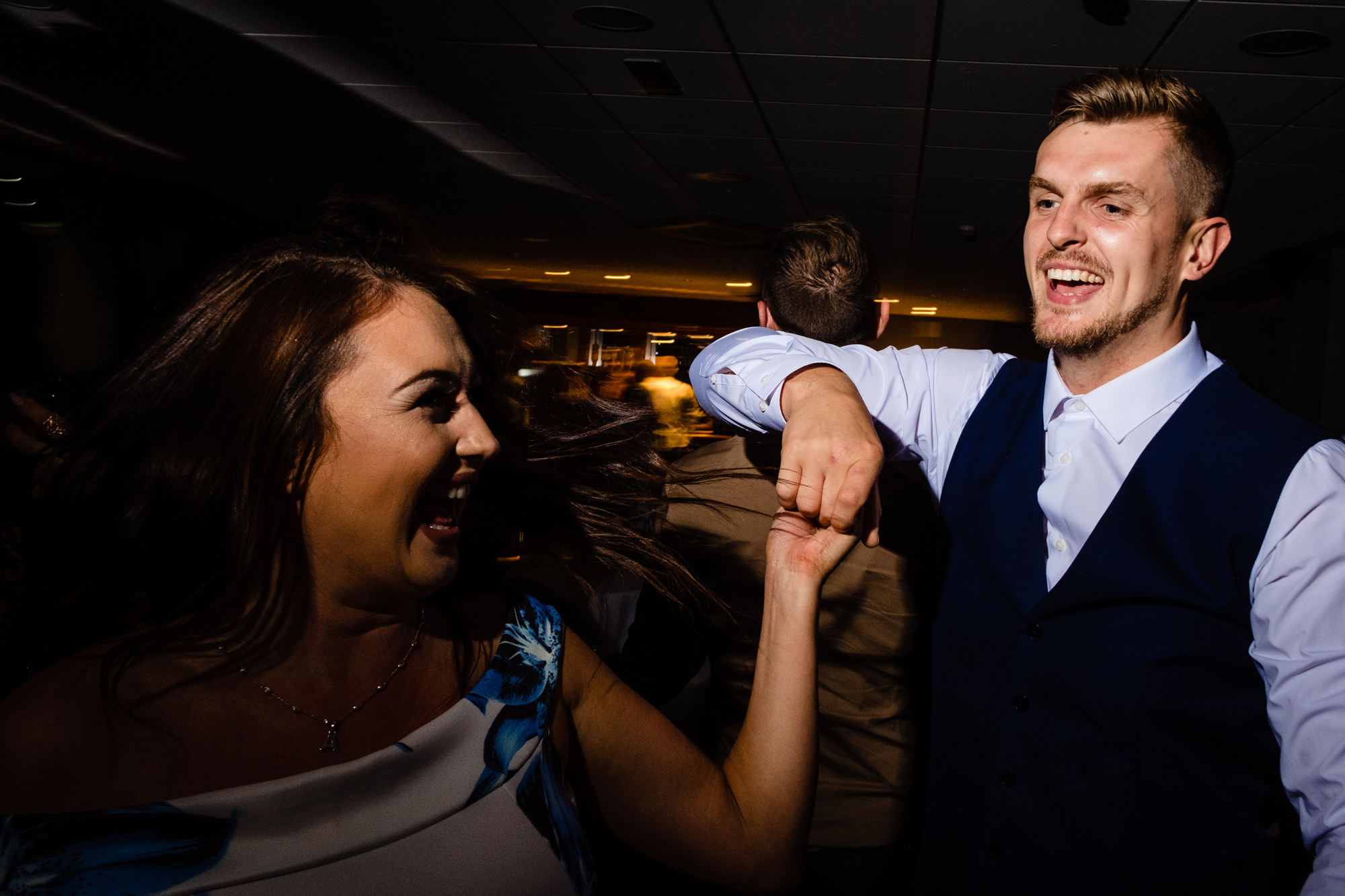 a couple on the dancefloor. huntsman inn wedding photography by emma and rich.