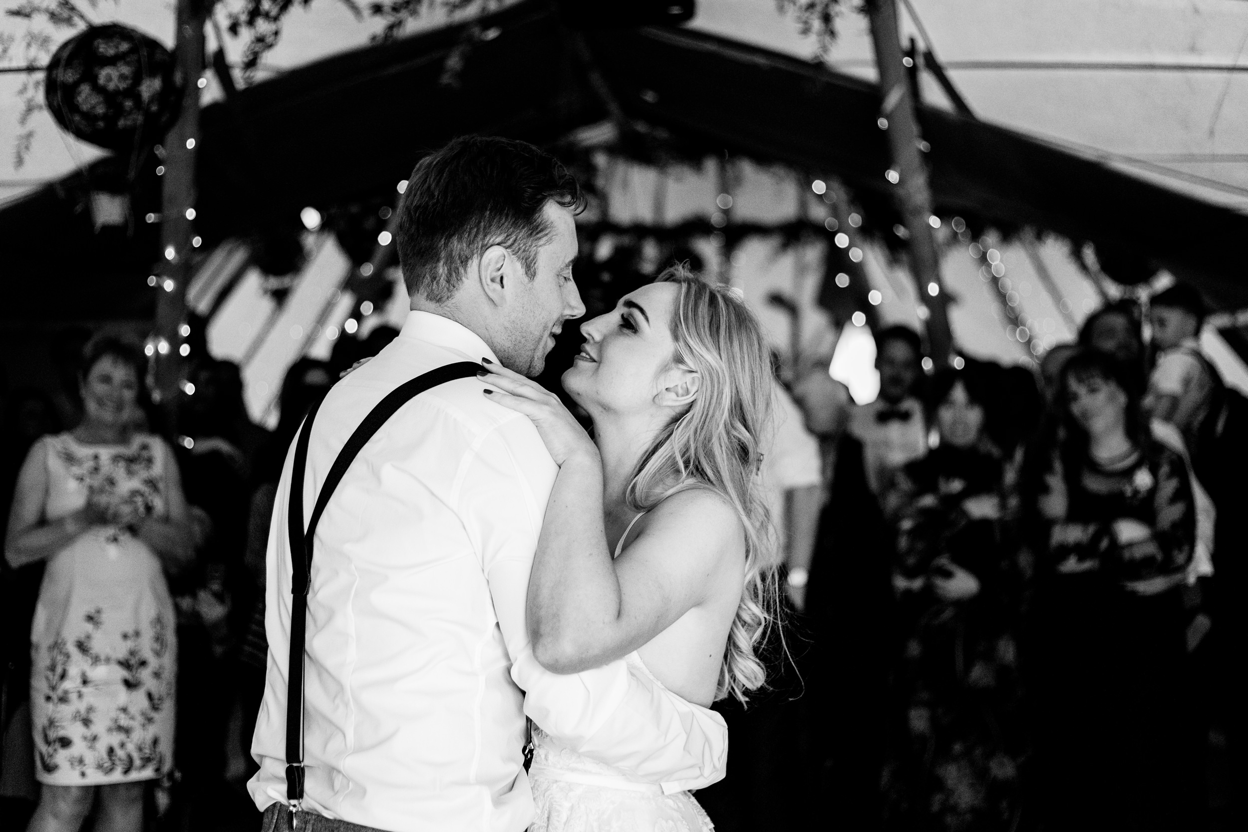 married couples first dance. wildwood and eden wedding photography by emma and rich.